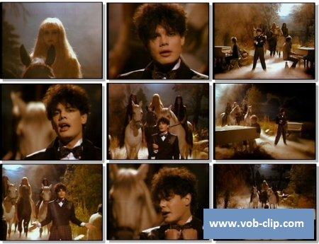 Alphaville - Forever Young (From Bananas) (1984) (VOB)